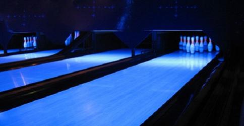 Beleuchtete Bowlingbahn