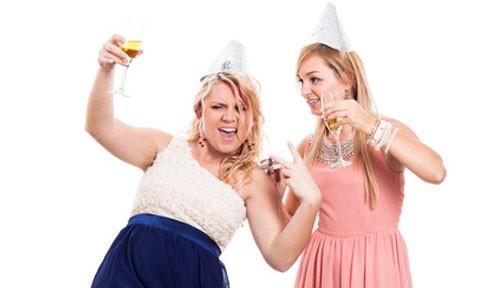 Betrunkene Frauen beim Junggesellinnenabschied