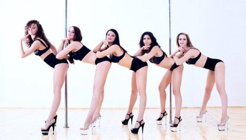 Junggesellinnenabschied im Poledance Studio