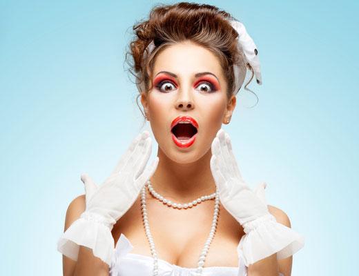Braut mit geschicktem Gesichtsausdruck